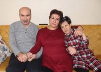 FEDAKARLıK - Eli Öpülesi Örnek Anne
