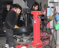 EMNIYET GENEL MÜDÜRLÜĞÜ - Nevşehir'de Lastikçilerde Kış Yoğunluğu Yaşanıyor