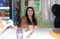 ENGELLİ KIZ - Silopi'de Engelli Kız Bakkal İşletiyor