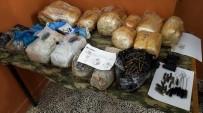 POMPALI TÜFEK - Sınırdan Mühimmat Geçirmeye Çalışan Teröristler Etkisiz Hale Getirildi