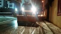 HAFTA SONU TATİLİ - Kartal Belediyesi Karla Mücadele Ekipleri Çalışmalarını Aralıksız Sürdürüyor