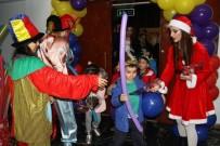 ALTıNOK ÖZ - Kartal'da Kreş Öğrencilerinin Yeni Yıl Coşkusu