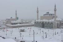 KONYA OVASı - Konya'da Kar Yağışı Etkili Olmaya Devam Ediyor