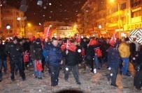 KORDON - Lapseki'de Kar Yağışı Altında Şehitler İçin Yürüdüler