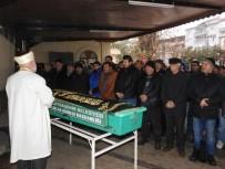 Cenaze Namazı Sırasında Akıllara Durgunluk Veren Olay