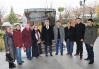 HÜSEYIN YARALı - Saruhanlı'dan Halep'e 5 Kamyon Yardım