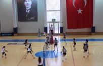 ECZACıBAŞı - Üniversiteler Voleybol Ligi'nde Yeni Yüzyıl Üniversitesi İkincilik Kupasını Alarak 1. Lig'e Çıktı