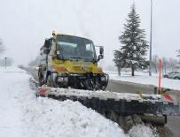 KAR KÜREME ARACI - Başkentte karla mücadele