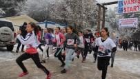 Kar Yağışı Altında Atatürk Koşusu Yaptılar