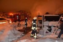 Karaman'da Köfteci Minibüsü Yandı