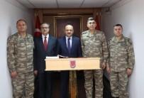 KARA KUVVETLERİ KOMUTANI - Milli Savunma Bakanı Işık, Şırnak Namaz Dağı'nda Nöbet Tutan Mehmetçikleri Ziyaret Etti