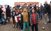 Suriyeli Türkmenler Çadırlarda Yaşam Savaşı Veriyor