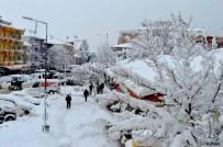 Yenice'de Kar 1 Metreye Ulaştı