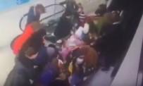 İLKOKUL ÖĞRENCİSİ - Yürüyen Merdivenlerde Korkunç Kaza Açıklaması Hepsi Öğrenci!