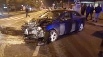 HALK OTOBÜSÜ - 2 Ayrı Kazada 11 Araç Birbirine Girdi