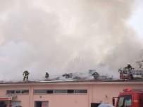 ASKERİ LOJMAN - Askeri Restoranda Çıkan Yangın Korkuttu