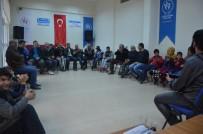 KARAKÖPRÜ - Engelli Futbolcular Gençlik Merkezini Ziyaret Etti