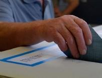 PARLAMENTO - İtalya'da halk anayasa referandumu için sandık başında