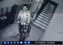 BİSİKLET - Serinkanlı Hırsız Babanın Oğluna Hediye Aldığı Bisikleti Çaldı