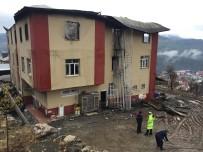 YANGıN YERI - Adana'da özel öğrenci yurdundaki yangınla ilgili 4 kişi tutuklandı