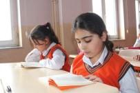 KİTAP OKUMA - Ağrı'da 'Kitaplar Konuşuyor Geleceğimiz Aydınlanıyor' Projesi