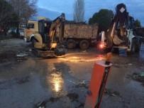AYVALIK BELEDİYESİ - Ayvalık Belediyesi'nden Afetzedelere Tam Destek