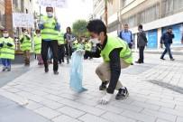 BURHANETTIN KOCAMAZ - Engelliler, Atatürk Caddesi'nde Çöp Topladı
