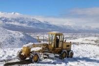 Erzincan'da 66 Köy Yolu Ulaşıma Kapandı