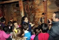 İŞİTME ENGELLİLER - İşaret Dili Rehberliğinde Müze Seyahati