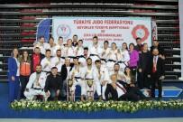 BRONZ MADALYA - Kadınlar Ve Erkeklerde Şampiyon İstanbul Büyükşehir
