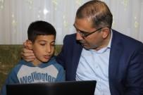 ULUBATLı HASAN - Küçük Samet Hayalini Kurduğu Bilgisayara Kavuştu