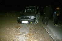 TİCARİ ARAÇ - Kulu'da Trafik Kazası Açıklaması 3 Yaralı