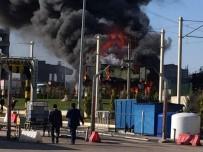 YANGıN YERI - Bursa'da şantiyede yangın: 1 ölü