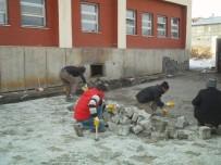 ÖZALP BELEDİYESİ - Özalp Belediyesinden Çevre Düzenlemesi