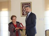 TÜRK HALKI - Yakın Doğu Üniversitesi Milli Tarih Müzesine Bağış