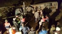 KAMYON ŞOFÖRÜ - Bursa'da Kamyonla Kamyonet Çarpıştı Açıklaması 4 Ölü, 1 Yaralı