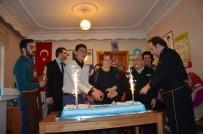 YAŞAM ŞARTLARI - Engelsiz Yaşam Merkezinde Pastalı Kutlama
