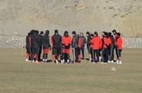 TOPLANTI - Futbolcular Hocalarının Sözleriyle Adeta Buz Kesti