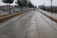 BÜYÜKŞEHİR YASASI - Harran'da Sıcak Asfalt Çalışması