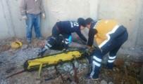 KANLıCA - İnşaat İşçisi 2 Metre Yükseklikten Aşağı Düşerek Yaralandı