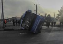 HALK OTOBÜSÜ - Kütahya'da dehşete düşüren kaza: 13 yaralı