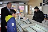 HÜSEYIN ARSLAN - Okul Harçlığı Olarak Biriktirdiği Dolar Ve Euro'yu Türk Lirasına Çevirdi