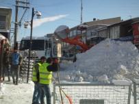 ÖZALP BELEDİYESİ - Özalp İlçesinde Kar Yağışı