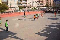 YUNUSEMRE - 'Sınıflar Yarışıyor' Futbol Turnuvası Devam Ediyor