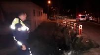 MOTOSİKLET SÜRÜCÜSÜ - Söke'de Motosiklet Köprüden Uçtu Açıklaması 2 Yaralı