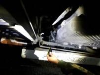 YOLCU TAŞIMACILIĞI - Tatvan'da 31 Bin Paket Kaçak Sigara Ele Geçirildi