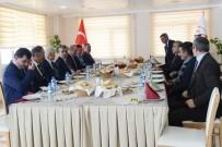 İL GENEL MECLİSİ - Vali Özefe, İl Genel Meclis Üyeleri İle Bir Araya Geldi