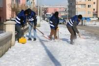 DADAŞKENT - Aziziye Karla Mücadelede Hız Kesmiyor