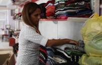 MARKET - Bayraklı'da 3 Yılda 5 Bin Kişiye Kıyafet Desteği