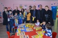 CHP'li Milletvekili Erol'dan Minik Öğrencilere Hediye